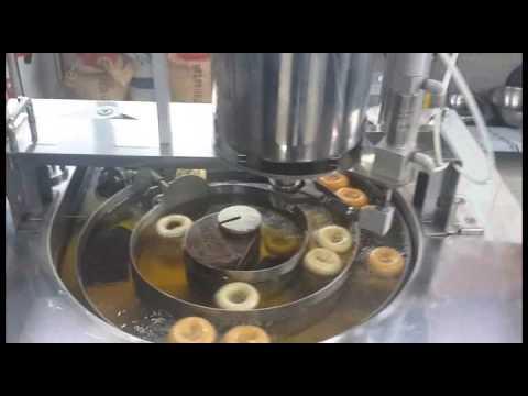 Thoselittledonuts international donut machine