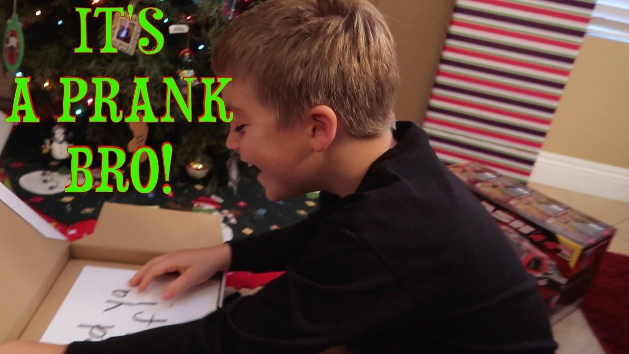 GOOGLE HOME CHRISTMAS PRANK! - YouTube