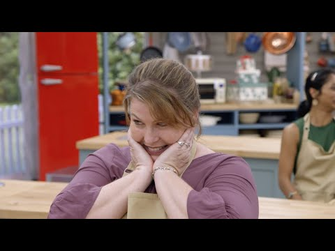 Tanya Gets A Paul Hollywood Handshake - The Great American Baking Show: Holiday Edition