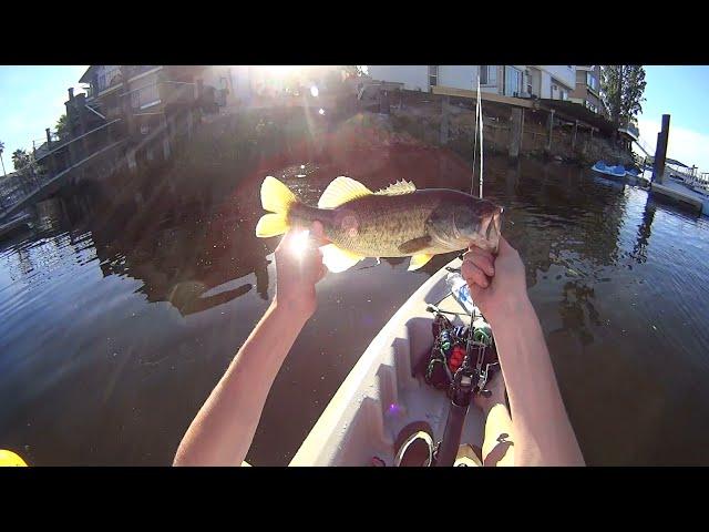 2016 Spring Emotion Stealth 11 Kayak Bassin'