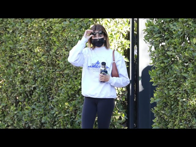 Kaia Gerber Does Her Supermodel Strut When Leaving Pilates Class