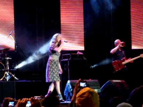 BIZZARE LOVE TRIANGLE - FRENTE! Live in Jakarta