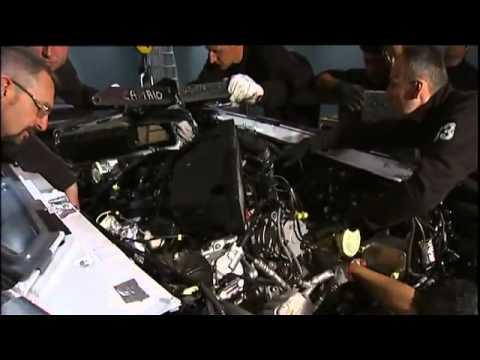 lắp ráp siêu xe Lamborghini Aventador