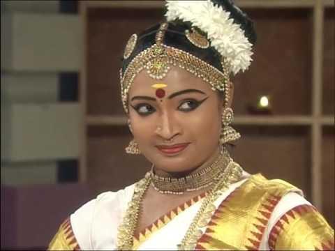 Kumudini.. mohiniyattam varnam Gayathri Devi