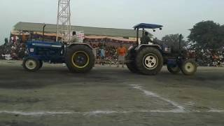 Tractor tochan 2017 ford v/s sonalika