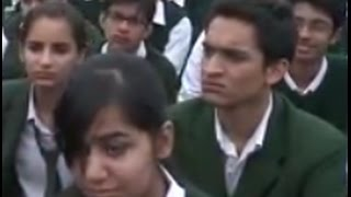 H. H. Le Dalaï-Lama Adresses des Étudiants à Delhi Public School pour les Enfants Défavorisés