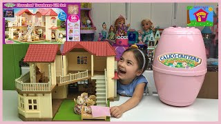 Video HUGE CALICO CRITTERS SURPRISE EGG TOYS Giant Town Home Holiday Gift Set Lights Up + Cute Twin Babies download MP3, 3GP, MP4, WEBM, AVI, FLV November 2017