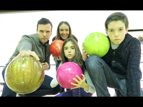 FAMILY BOWLING BATTLE