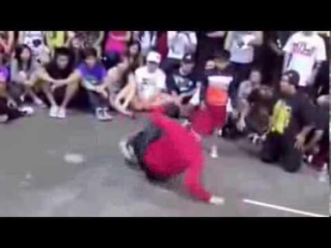Battle de breakdance contre un enfant