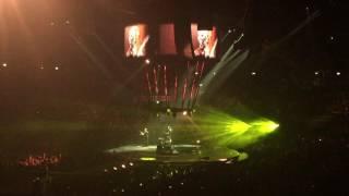 Muse - [Interlude] Hysteria - Live Milano 20/05/2016