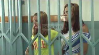 """A1 Report - Gjykata ndan motrat Kajtazi, në burg vetëm më e """"rrezikshmja"""""""
