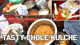 Delhi ke famous chole kulche || Street Food  || Punjabi Style Chole
