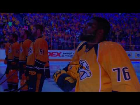 Kelly Clarkson sings anthem, Kings of Leon wave towels to pump up Nashville