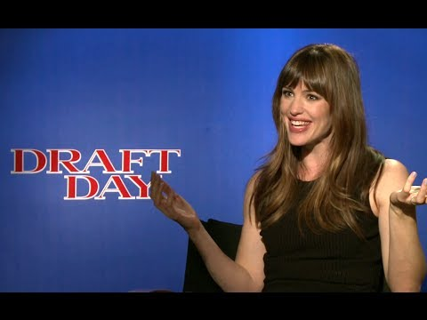 Jennifer Garner Interview - Draft Day (2014) JoBlo.com HD