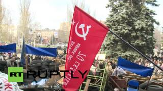 Ukraine: Pro-Russians stand defiant in Mariupol