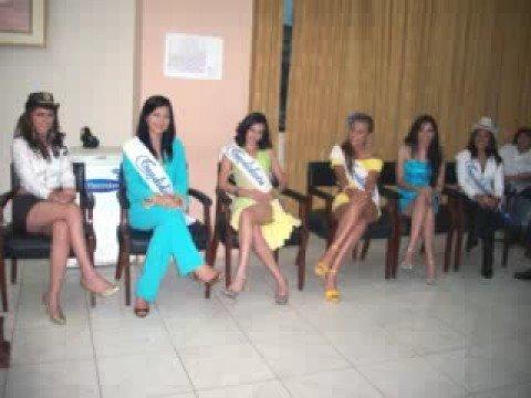 Candidatas a Reinado de Pasaje 2008: Candidatas a Reinado 2008 del Cantón Pasaje de las Nieves visitan el I. Municipio de Pasaje