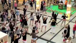 """Happy"" Pharrell Williams Flashmob 21. Mai 2014 Berlin Potsdamer Platz"