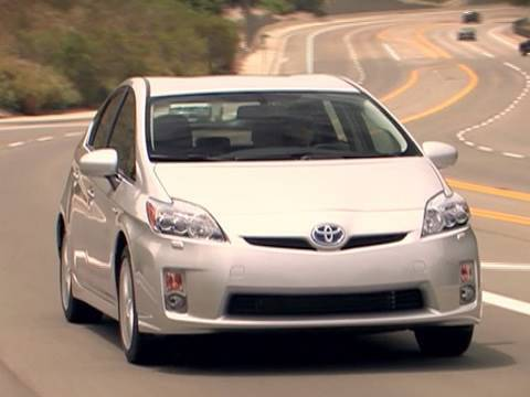 2010 Toyota Prius Review - Kelley Blue Book