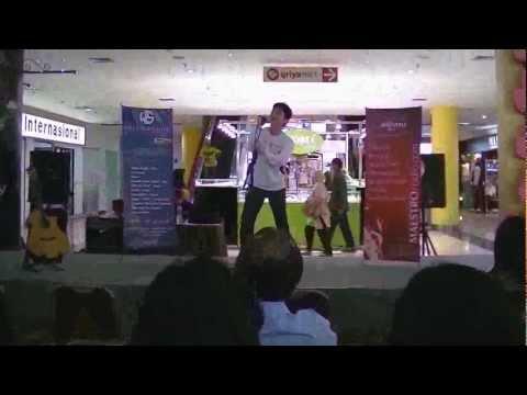 Rendy Laksana - Kesempatan Dalam Hatimu Live at BTC (Bandung Trade Center)
