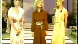 Mandrell Sisters Barbara Louise Irlene Opening sequence- Happy Tracks