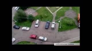 Водитель мусоровоза в Братске ощутил нехватку парковок во дворе(, 2017-08-10T13:39:16.000Z)