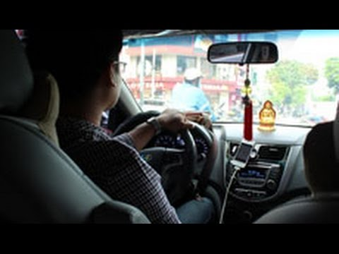 Vietnamese Uber driver: The alternative to Saigon taxis