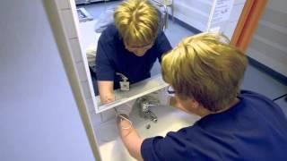 Kosketuskohtien pyyhintä ja käsienpesualtaan pesu