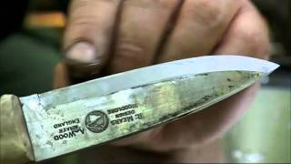 Ray Mears - How to sharpen a knife at camp, Bushcraft Survival