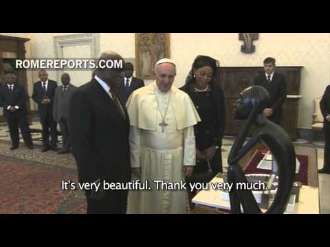 Pope meets with President of Angola: Poverty and social inequality discussed
