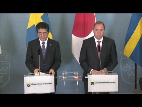 El primer ministro de Japón Shinzo Abe visitó Suecia