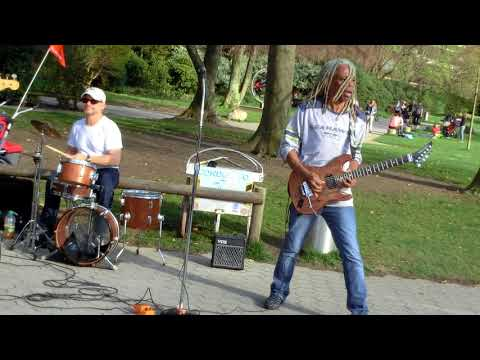 """Brion James,  performing """"Kiss"""" live in the park"""