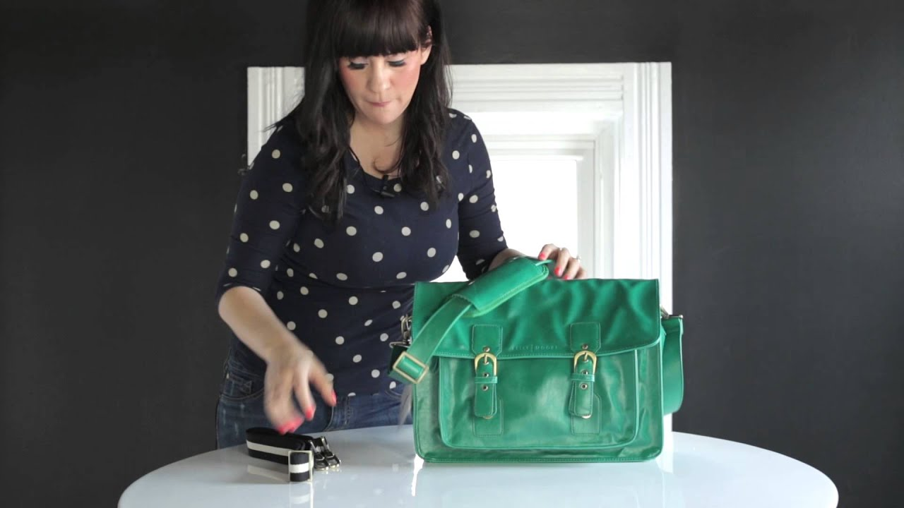 2f52434c2f54 A Beautiful Mess + Kelly Moore Bag Tour - YouTube