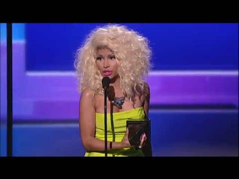 Nicki Minaj Wins Rap/Hip-Hop Album - AMA 2012