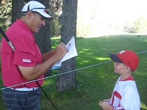 Mark Rypien signs autographs for THE SI KING 7-17-13
