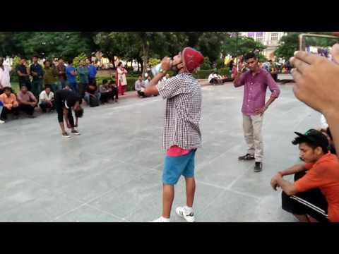 Amazing dance performance canought place Delhi