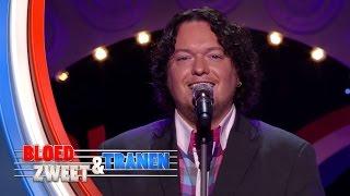 Jason Bouman zingt