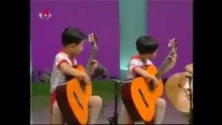 Мурка на гитаре . Корейские дети. Это что-то!!!