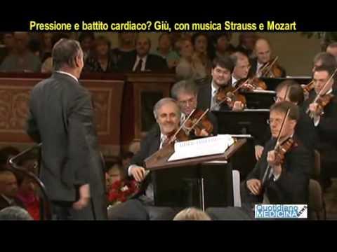 Pressione e battito cardiaco. Giù, con musiche Strauss e Mozart