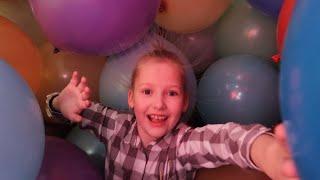 Много воздушных шаров Квартира с шарами до потолка Big ballons lots of