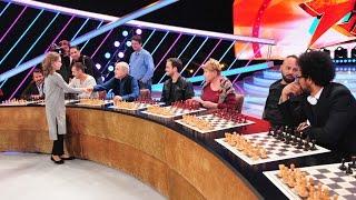 """Ema Obada, campioană europeană la șah, învinge şapte vedete pe scena """"Next Star"""""""