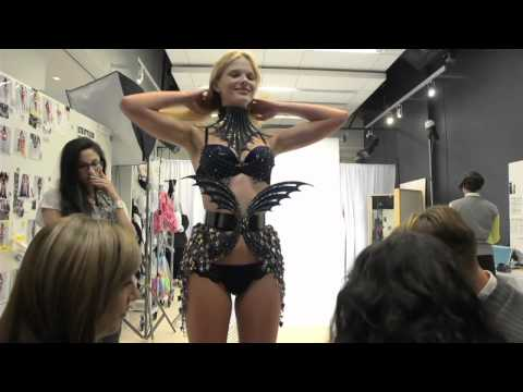 Victorias Secret Fashion Show Trends Angels Aquatic