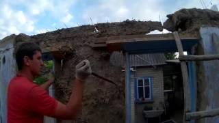Постройка дома, разбираем старую крышу, ломаем потолок  Серия № 2