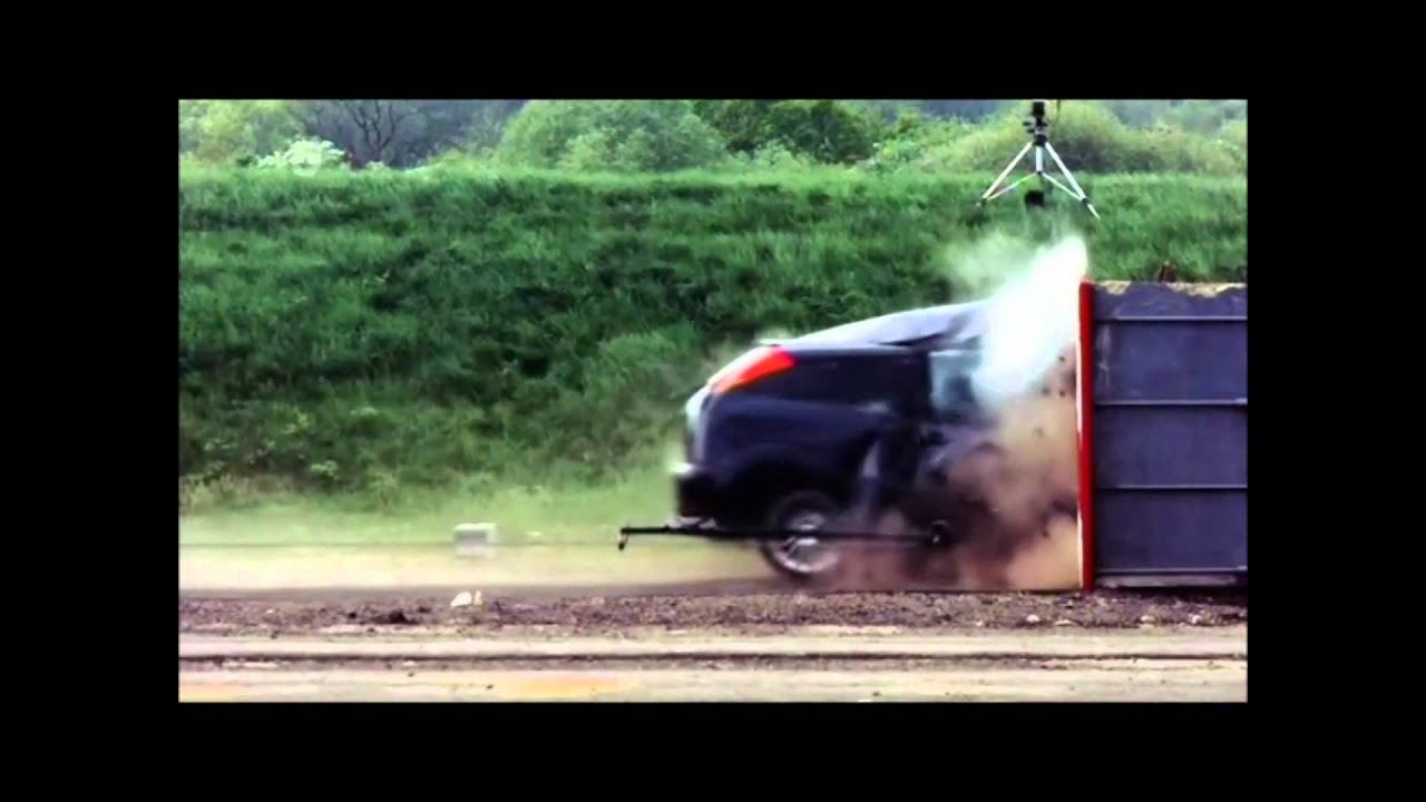 200 Kph To Mph >> Crash Test Ford Focus 120 mph (190 km/h) - YouTube