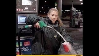 Русские Приколы 2018-  Бабы на заправке