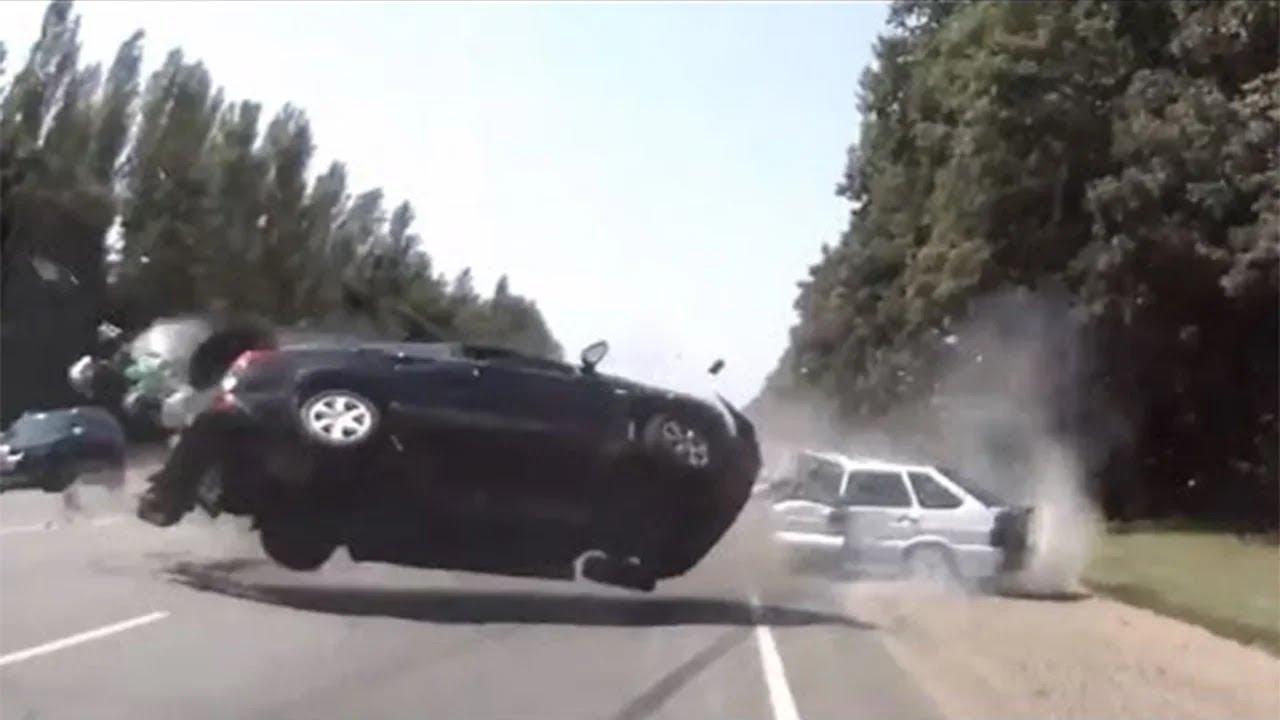 ULTIMATE CAR CRASH COMPILATION 2020