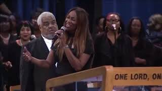 Bishop Paul Morton And Yolanda Adams Duet At Aretha Franklin's Funeral Celebration!