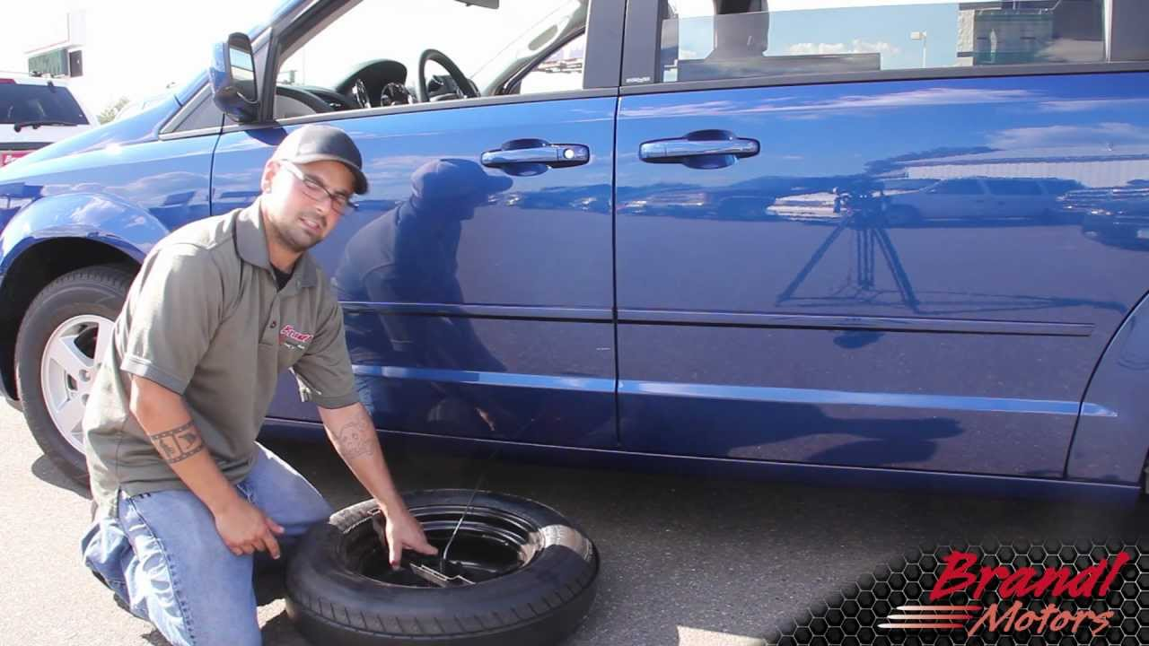 medium resolution of changing the tire on dodge grand caravan chrysler town and country brandl media minute 09 08 11 youtube