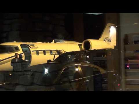 Hillary Clinton Boards Private Jet In Lebanon, NH