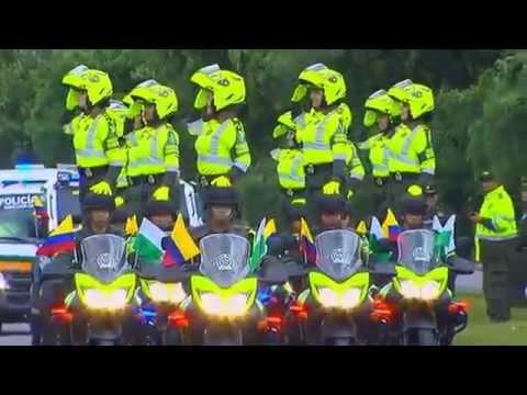 Desfile militar  Mujeres Policias 20 de julio 2015 Colombia