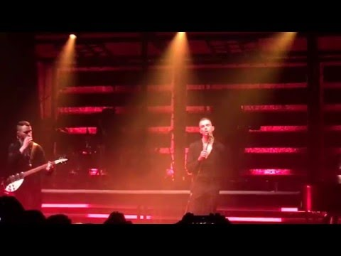 Hurts - Blood, Tears & Gold (live @ Manchester Academy 12/02/2016)